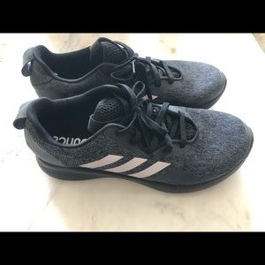 Adidas Bounce size 10 women's